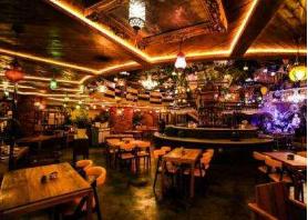 牛蛙队长音乐酒吧餐厅的生意如何呢?