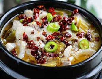 非池中酸菜鱼米饭菜品系列多吗?