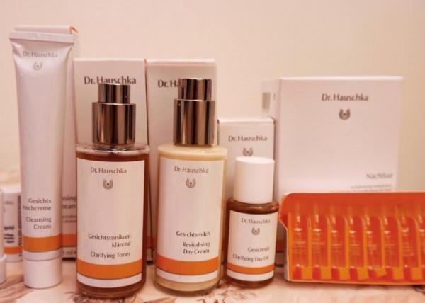 化妆品店投资  加盟精油世家化妆品满足爱美需求_2