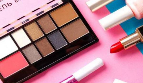 有哪些因素会影响化妆品加盟店的经营?_2