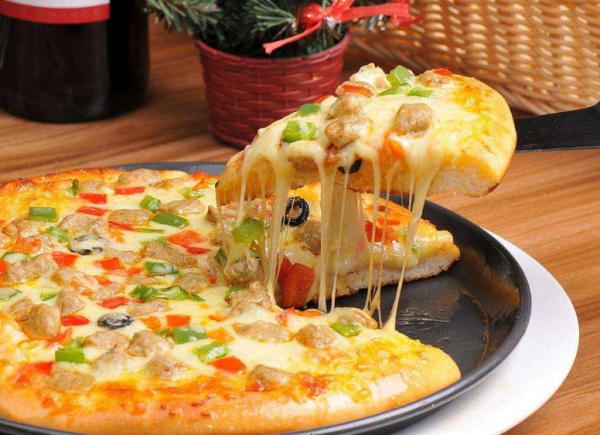 小吃连锁店加盟,比意格披萨小吃人气十分火爆_2