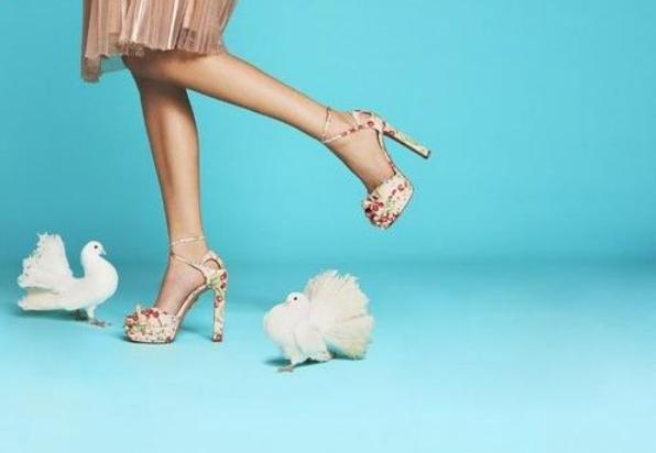 怎样才能顺利经营一家品牌女鞋加盟店_2