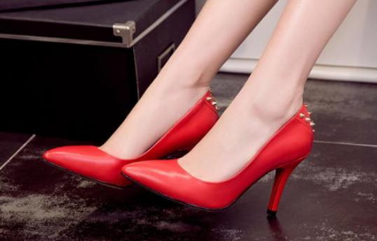 怎样才能顺利经营一家品牌女鞋加盟店_1