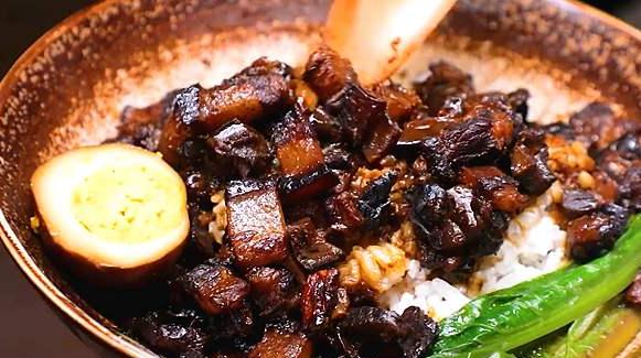 锅先森台湾卤肉饭拥有多种不一样的美味_3