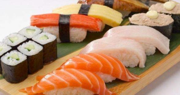 万岁寿司加盟多少钱?二十多万便可开店_1