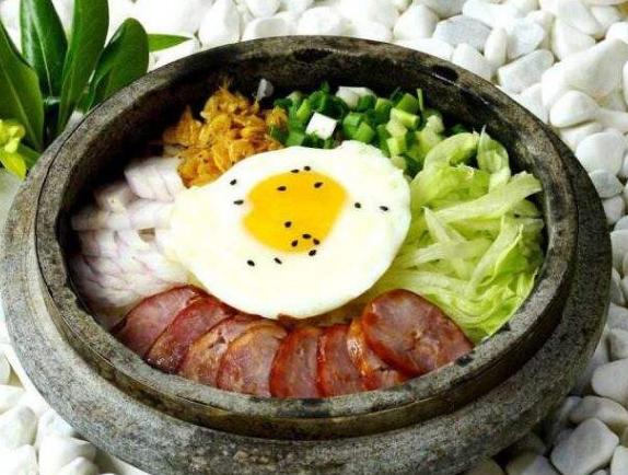 开石锅饭加盟店从哪些方面吸引顾客_2