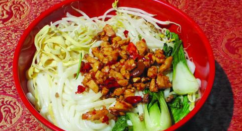 为什么百味香米线加盟店产品很好吃?_1