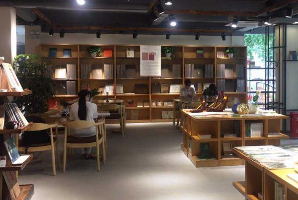 咖啡书屋靠什么盈利?脑洞大开收获丰厚财富_2