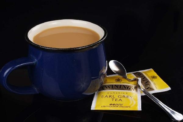 开奶茶店一年赚多少钱?
