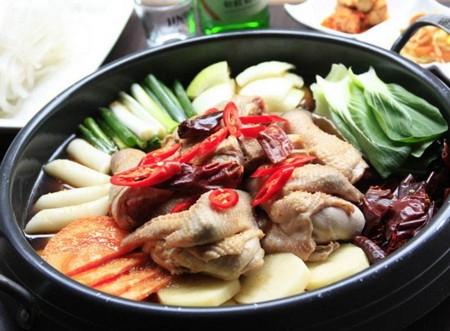 开韩国料理店怎么样  经营简单店面火爆