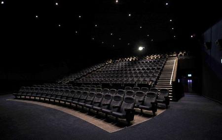 电影院加盟哪家好?巨幕影业加盟就是好_1