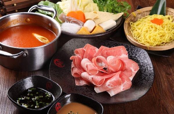 如果开一家蒸汽海鲜火锅餐厅需要多大面积?