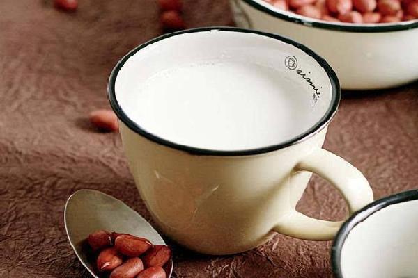 开一家奶茶店大概需要多少钱投入 5万元左右