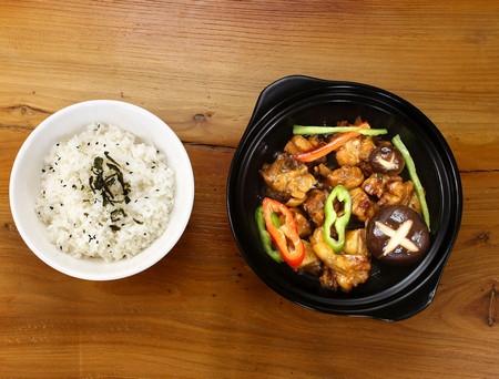 食客领先总部告诉你:开黄焖鸡米饭店的注意事项_1