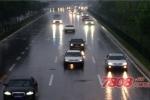 夏季雨天如何开车 雨天开车技巧